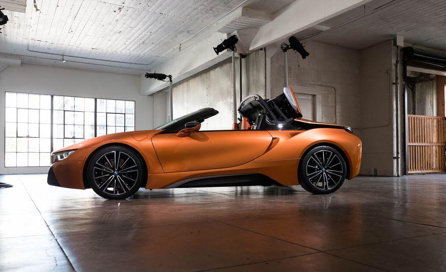 2019 BMW i8 Roadster - Slide 43