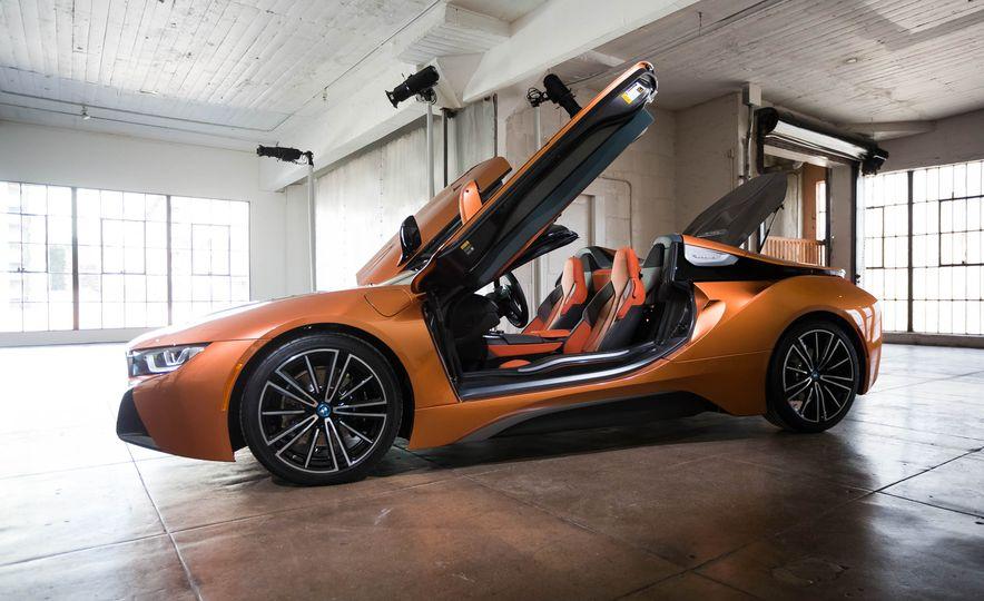 2019 BMW i8 Roadster - Slide 44