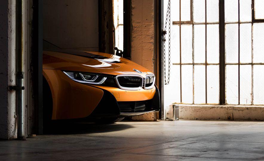 2019 BMW i8 Roadster - Slide 45