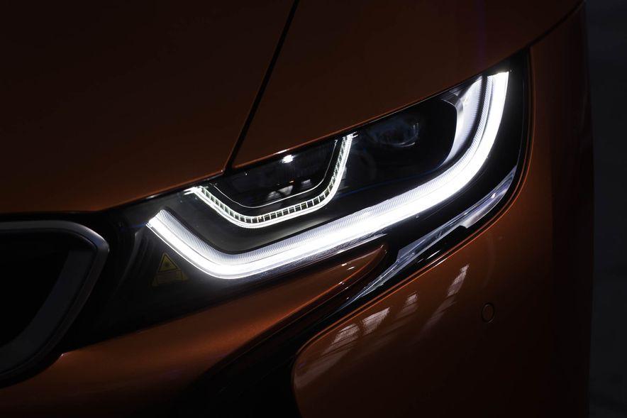 2019 BMW i8 Roadster - Slide 47