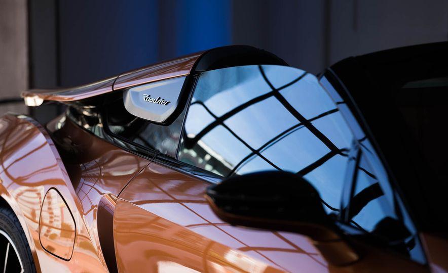 2019 BMW i8 Roadster - Slide 48