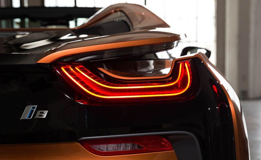 2019 BMW i8 Roadster - Slide 53