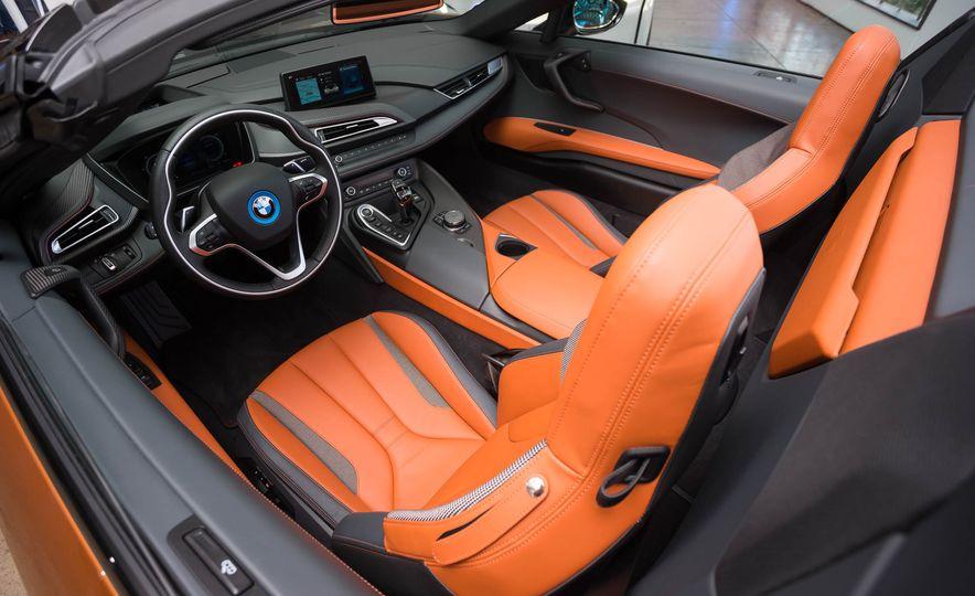 2019 BMW i8 Roadster - Slide 55