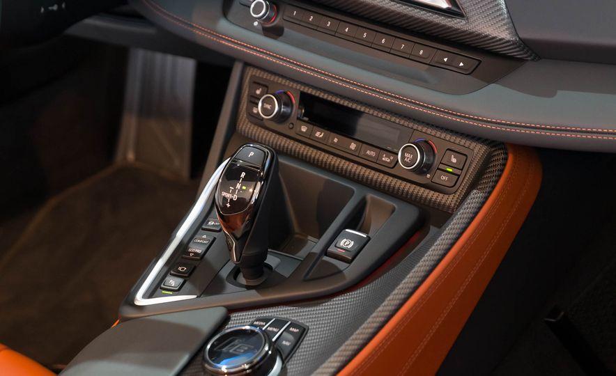 2019 BMW i8 Roadster - Slide 59