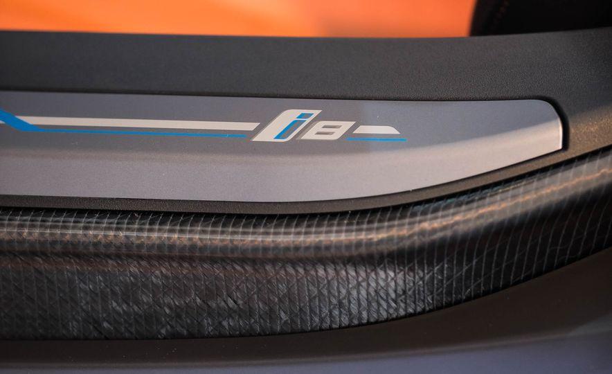 2019 BMW i8 Roadster - Slide 63