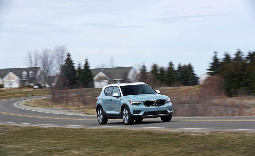 2019 Volvo XC40 - Slide 30