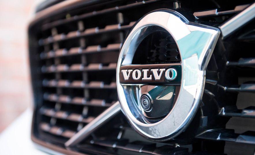 2019 Volvo XC40 - Slide 13