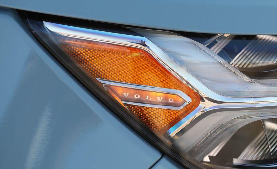 2019 Volvo XC40 - Slide 48