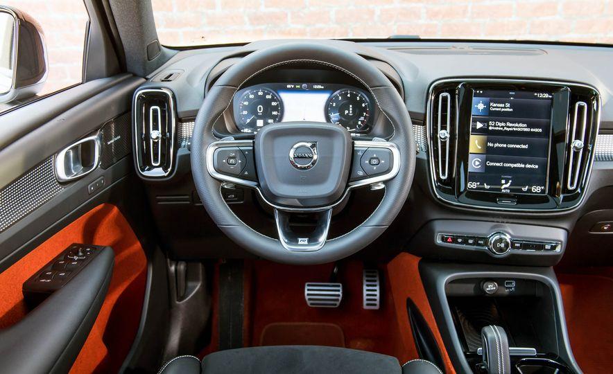 2019 Volvo XC40 - Slide 20