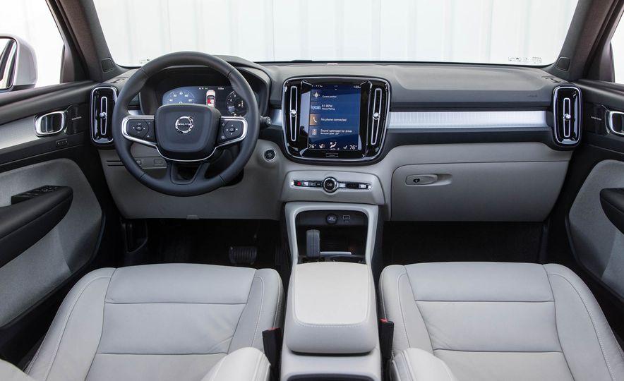 2019 Volvo XC40 - Slide 63