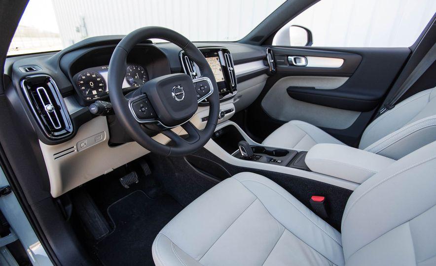 2019 Volvo XC40 - Slide 64