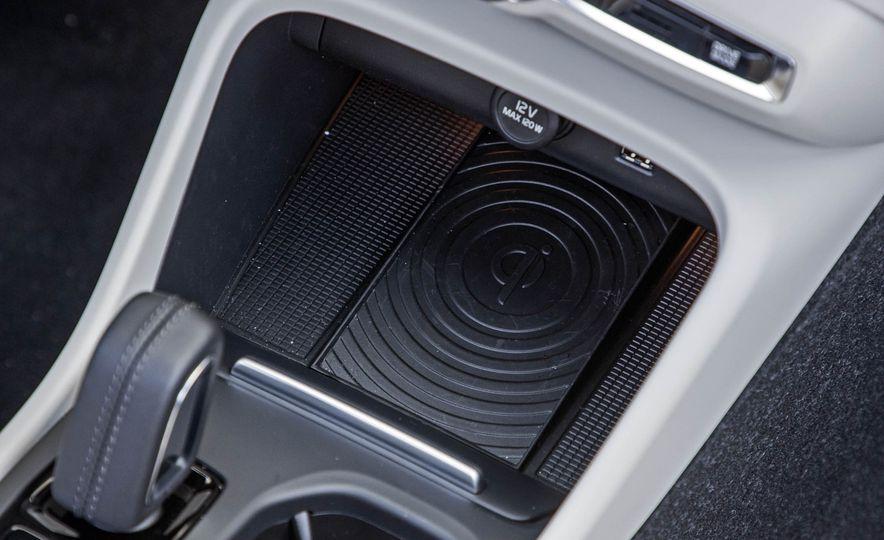 2019 Volvo XC40 - Slide 74
