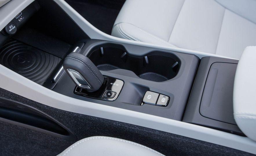 2019 Volvo XC40 - Slide 76