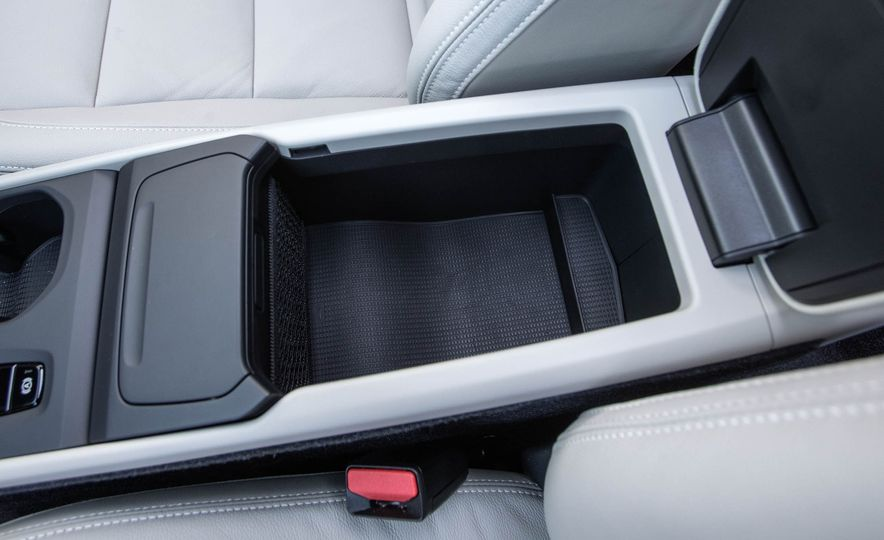 2019 Volvo XC40 - Slide 77