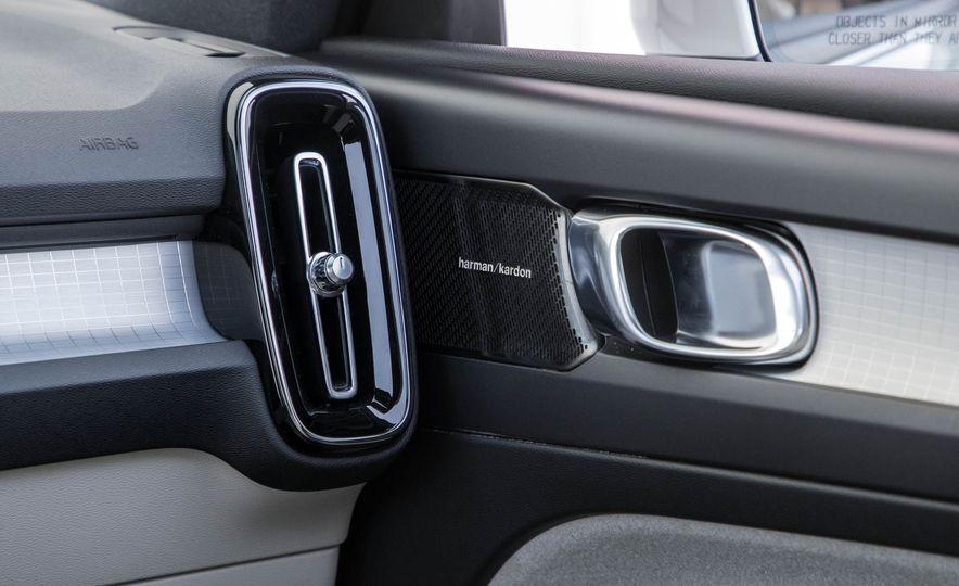 2019 Volvo XC40 - Slide 79