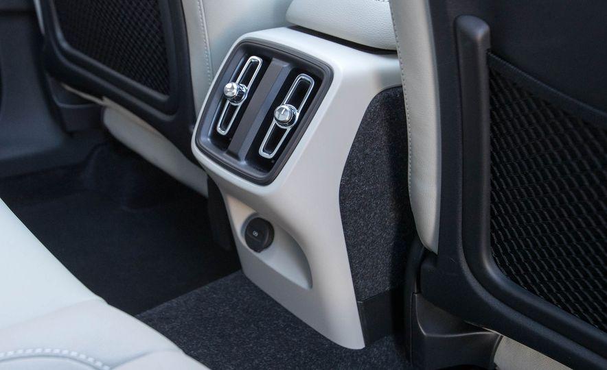 2019 Volvo XC40 - Slide 88