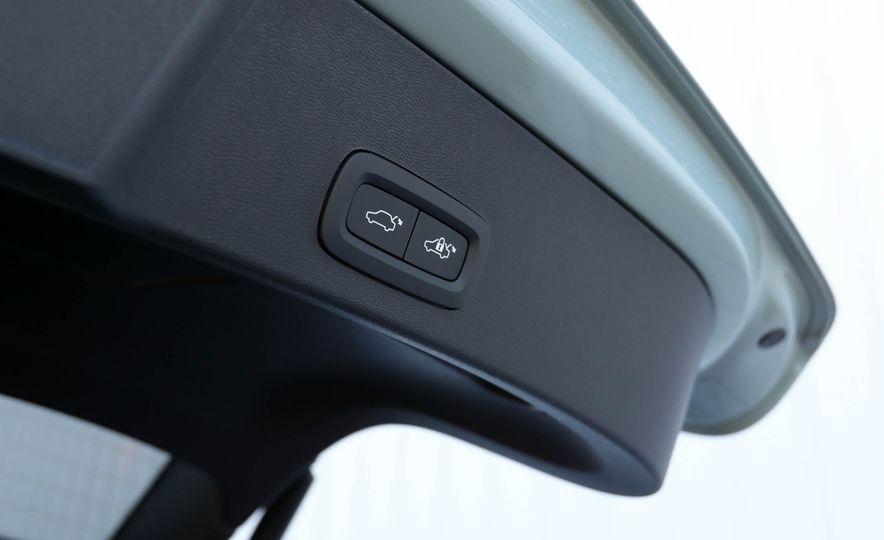 2019 Volvo XC40 - Slide 95