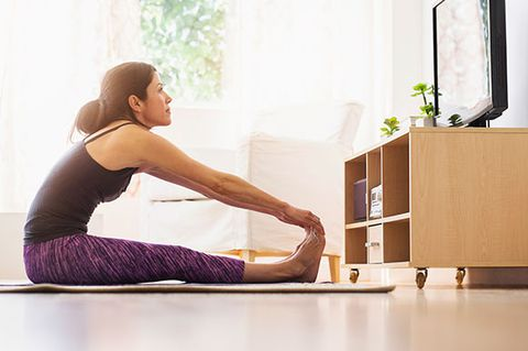 Shoulder, Elbow, Exercise, Wrist, Physical fitness, Active pants, Knee, Yoga, yoga pant, Yoga mat,