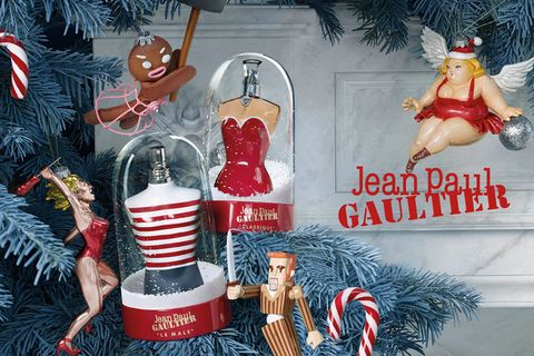 Holiday ornament, Christmas ornament, Christmas, Christmas eve, Christmas decoration, Holiday, Decorative nutcracker, Fictional character, Interior design, Christmas stocking,