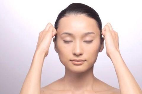 Ear, Finger, Lip, Cheek, Brown, Hairstyle, Skin, Chin, Eyelash, Forehead,