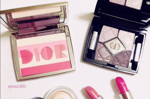 Magenta, Pink, Lipstick, Purple, Beauty, Cosmetics, Tints and shades, Stationery, Peach, Eye shadow,