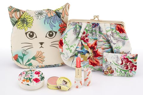 Serveware, Dishware, Small to medium-sized cats, Felidae, Drinkware, Cup, Peach, Cat, Home accessories, Creative arts,