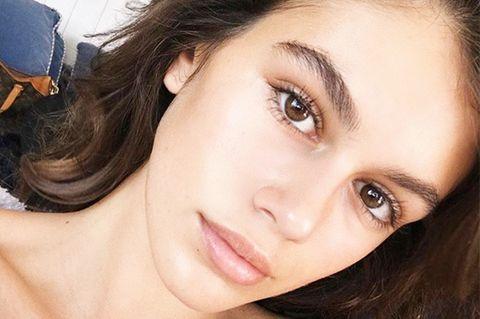 Face, Hair, Eyebrow, Skin, Lip, Cheek, Forehead, Nose, Beauty, Chin,