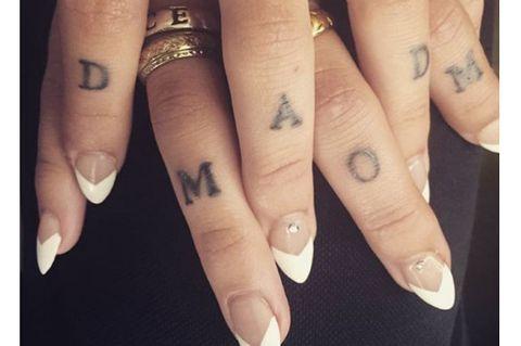 Finger, Skin, Nail, Wrist, Pattern, Jewellery, Thumb, Design, Silver, Flesh,