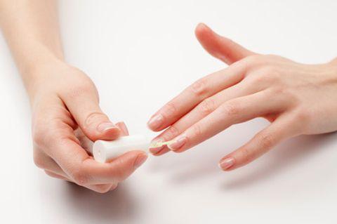 Finger, Skin, Hand, Nail, Wrist, Thumb, Gesture, Peach, Nail care,