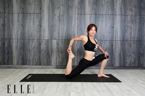 Human body, Shoulder, Elbow, Exercise, Flooring, Active pants, Waist, Physical fitness, Wrist, Knee,