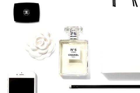 Fluid, Product, Perfume, Liquid, Style, Technology, Font, Bottle, Glass bottle, Cosmetics,