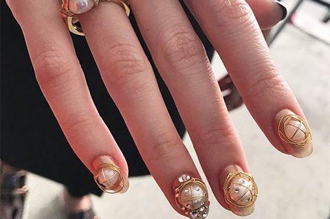 奧運選手楊倩得金牌,珍珠美甲意外成熱搜!可華麗可氣質的15款「珍珠指甲」範本