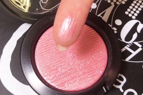 Pink, Cosmetics, Nail, Eye shadow, Eye, Organ, Lip, Material property, Finger, Hand,