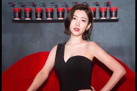 Lip, Dress, Shoulder, Red, Joint, Strapless dress, Eyelash, Cocktail dress, Lipstick, Day dress,