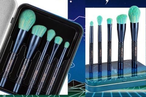 Green, Makeup brushes, Turquoise, Brush, Cosmetics, Tool,