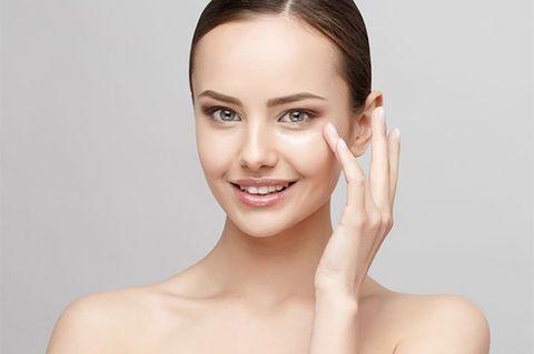 Smile, Lip, Cheek, Hairstyle, Skin, Chin, Forehead, Shoulder, Eyelash, Eyebrow,