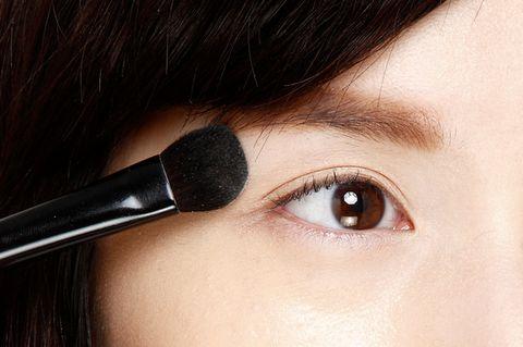 Brown, Skin, Eyelash, Eyebrow, Style, Beauty, Iris, Organ, Tints and shades, Eye shadow,