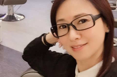 Eyewear, Glasses, Nose, Vision care, Lip, Cheek, Product, Eye, Skin, Chin,