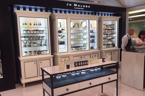 Display case, Machine, Shelf, Collection, Shelving, Retail,