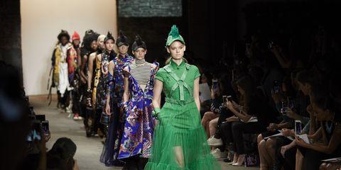 Green, Costume design, Dress, Fashion, Fashion show, Gown, Fashion model, Haute couture, Runway, Fashion design,