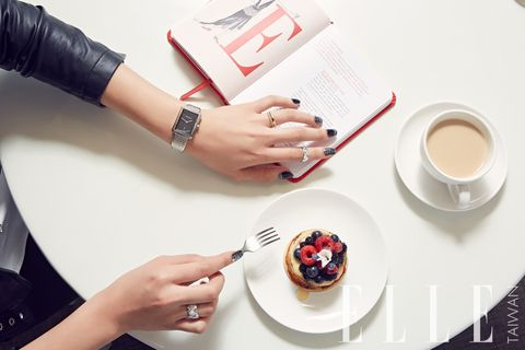Serveware, Coffee cup, Finger, Dishware, Cup, Hand, Drinkware, Nail, Cuisine, Teacup,