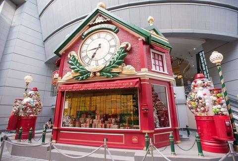Architecture, Wall clock, Clock, Holiday, Quartz clock, Christmas, Christmas decoration, Flowerpot,