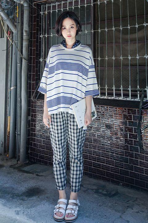 Clothing, Sleeve, Shoulder, Human leg, Pattern, Style, Street fashion, Fashion, Neck, Cool,