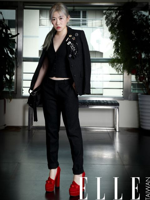 Collar, Outerwear, Style, Coat, Blazer, Street fashion, Fashion, Black, Leather, Jacket,