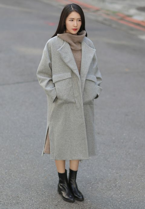 Clothing, Sleeve, Coat, Textile, Joint, Outerwear, Street fashion, Overcoat, Style, Fashion model,