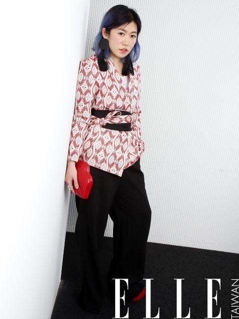 Sleeve, Shoulder, Style, Collar, Street fashion, Black hair, Waist, Fashion model, Photo shoot, Makeover,
