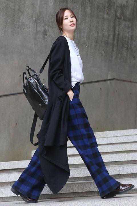 Clothing, Sleeve, Collar, Bag, Textile, Outerwear, Formal wear, Style, Street fashion, Fashion,