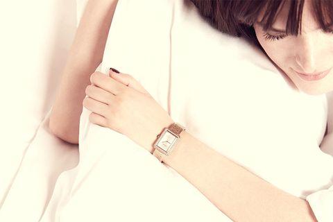White, Skin, Arm, Beauty, Fashion accessory, Leg, Shoulder, Hand, Neck, Bracelet,