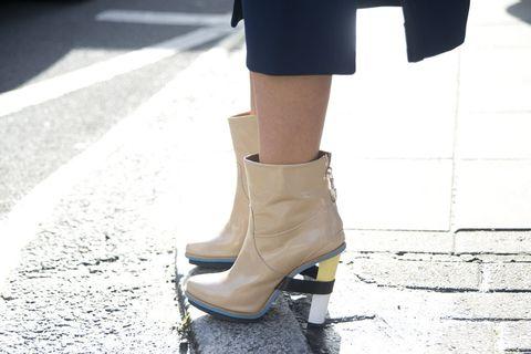 Footwear, Brown, High heels, Human leg, Joint, White, Style, Sandal, Fashion, Khaki,