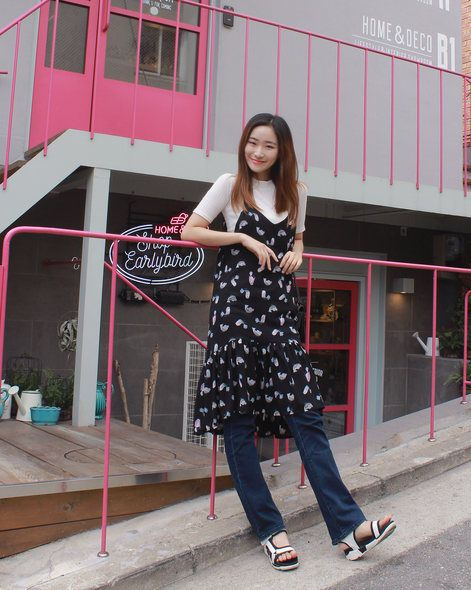 Clothing, Shoe, Red, Pink, Street fashion, Waist, Carmine, Door, Magenta, Pattern,